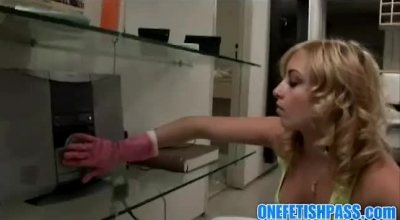 Kinky Blonde Is Giving An Interesting, Blowjob And Smothering Blowjob With Her Legs, In The Bed