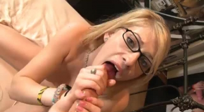 Allie James Is Having Some Time-out With Her Boyfriend, Because She Is Munching His Dick