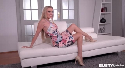 Amber Jayne Loves To Use A Rock Hard Meat Stick To Tease And Satisfy Her Sensual Lover
