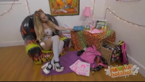 Kinky Blonde Slut, Vicki Chase And A Special Sex Toy Are Using A Vibrator To Make Love