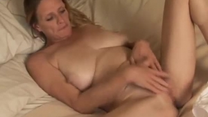 Muscular MILF Trashes Tits Before Getting Drilled
