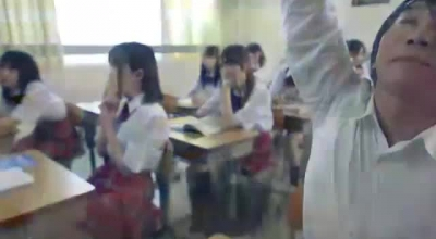 Japanese Babes Were Hired To Spread Up And Show These Lesbian Friends Who's Boss Is