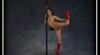 Flexible Chloe Wylie Deepthroating A Monster Cock