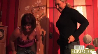 Pretty Lesbos In Nude Group Action