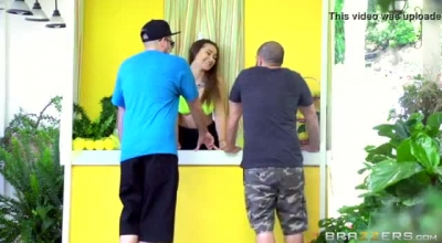 Dani Daniels And Patrick Curb Went To Her Place To Get To Know Each Other Better