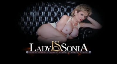 Busty Lady Sonia In Licking Action