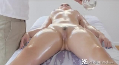 Skinny Brunette Is Very Experienced When It Comes To Sucking Dick And Getting Fucked Hard