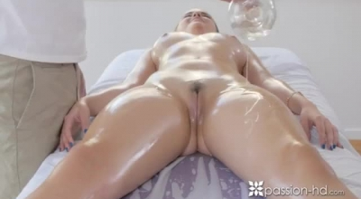 Skinny Brunette Is Having A Massive Cumshot Because Her Pussy Got Stretched For A Good Satisfying Act