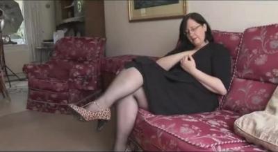 MrsBreadyPinay Big Tits Fucks A Fan Showing Nude Body
