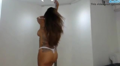 Latina Webcam Succesful Flexing Her Ass During Warm Massage