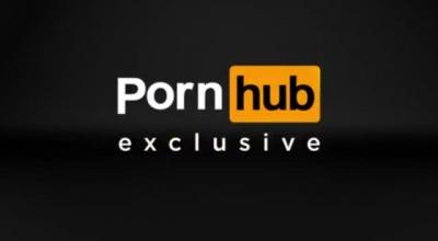 Zazelia Gets Caught Sucking Cock At A Strip Club