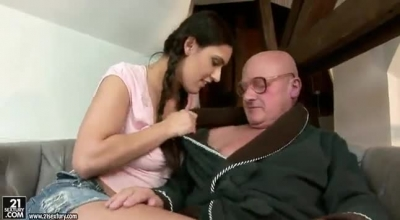 Filthy Old Man Nutting His Hot Bitch Mániele In The Arms