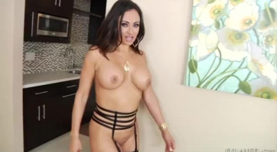 MILFKristen Has Many Holes She Wants To Explore, And Masturbating Sessions Can Get Her Very Horny