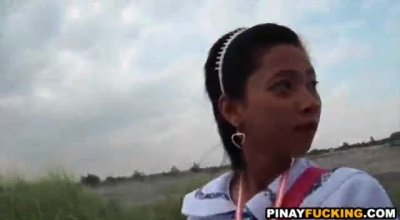 Asian Tranny Gives Amazing Handjob
