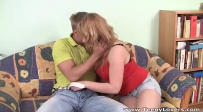 Pussy Swallowing Big Titted Tranny Cumsf.