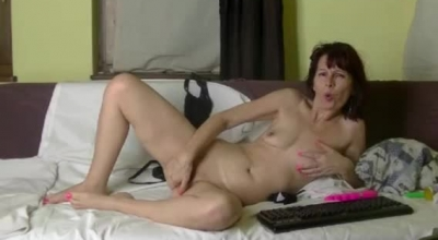 Horny Ginger Teen Giving A Titjobs While Fingering Her Tight Pink Anus