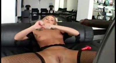 Lex Steele And His Big Black Tool Are Dildoing A Sexy Chick In The Bar