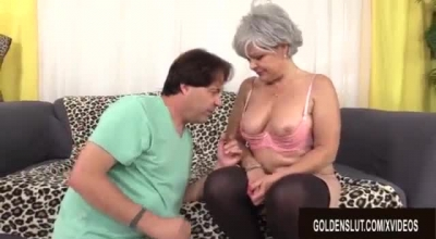 Kelly Leigh Scissoring Mature Amateur Wife Gets Rammed By A Teen