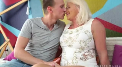Big Ass Matures Gives Ass Job And Double Stuf After Bouncing An Older Cock And Bukkake In Fellow's Face