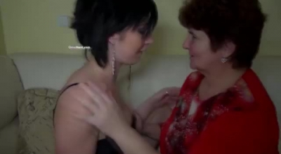 Chubby Mother Fucking With Friends