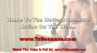 Perfect Shemale Alexis Love Does Some Nice Stuff With His Big Cock