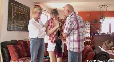 Threesome With Mature Lesbians Phoenix Redd, Luna Star