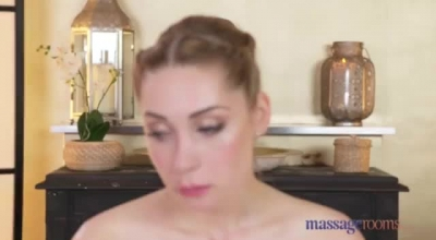 Massage Rooms Pretty Couple Eats Patient Pussies And Gives Passionate Blowjobs And Squirt Cream