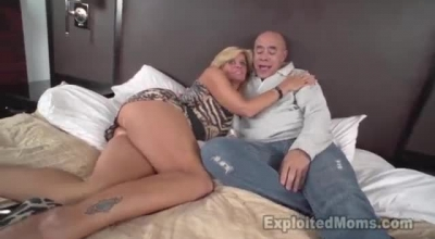 Mature Women Milf Niki & Young Omar Have Sex On LiveCams