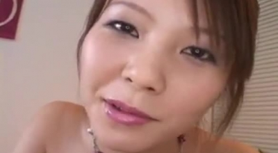 Shiho Minami Is Getting Fucked By Two Guys In A Huge Bed And Moaning While Having An Orgasm