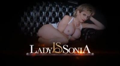 Blonde Lady In Stockings Wanking.
