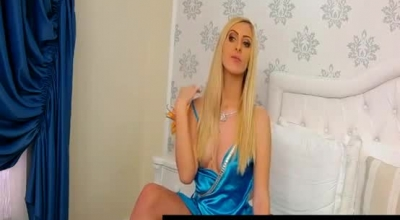 Astonishing Blonde Lady, Sophie Lynx Sucks A Stranger's Big Dick And Gets Fucked Until She Cums.