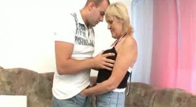 Meurious Granny Offers Massage Service.