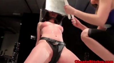 Lezdom Submissive Horse Sex With Bald Dt Soaps Her Straight Toy By His Tail