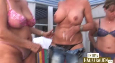 Lesbos In Glasses And Gloves Play Young Pussy Dildo